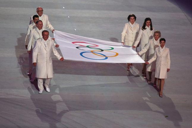olimpiyat-bardak-tutusu